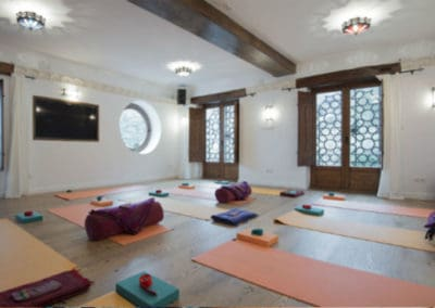 Retreat-Yoga-Workshop-Space