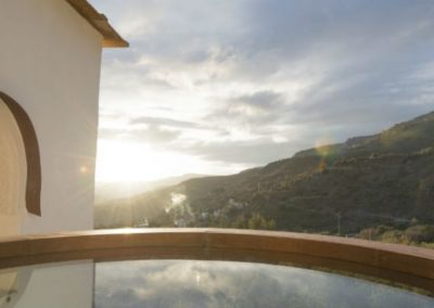 Retreat-infinitypool-window-1024x398